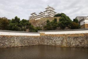 お堀から見る姫路城