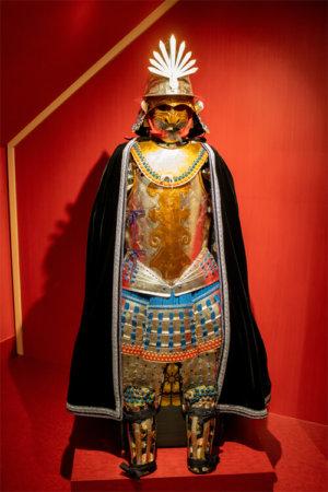 織田信長の華やかな南蛮甲冑