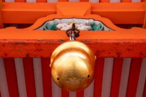 神社の鈴(稲荷大社)